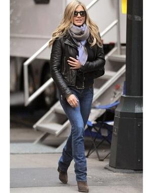Style Inspiration Jennifer Aniston Style Meganzine